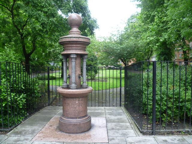 St Thomas's Square Gardens