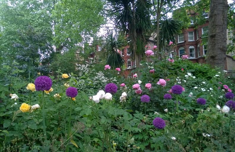 حدائق برامهام