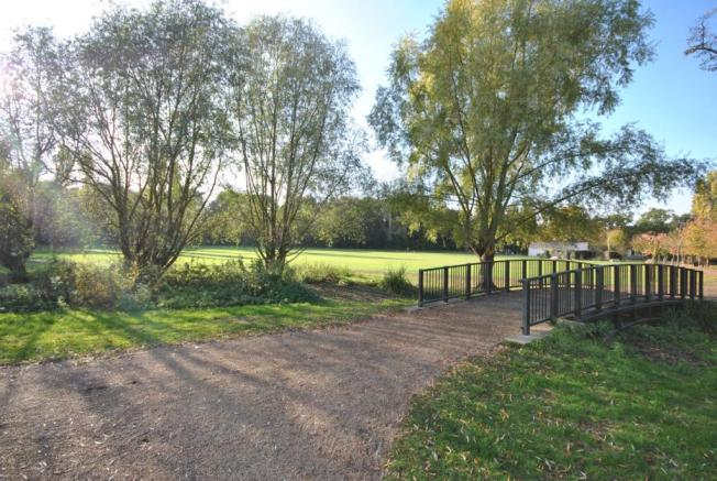 Chinbrook Meadows
