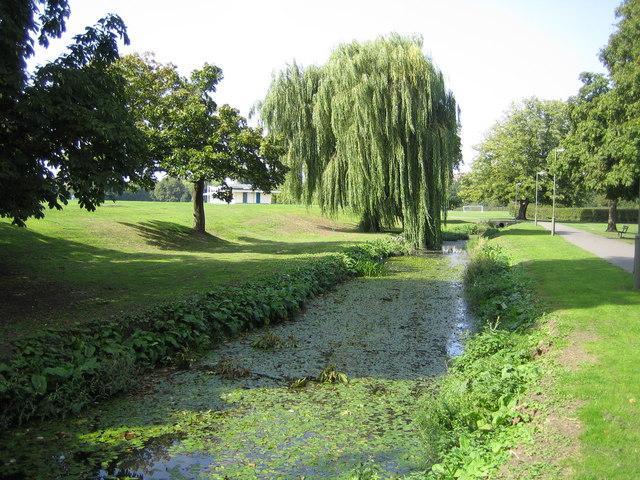 Oak Hill Park & Oak Hill Woods Local Nature Reserve