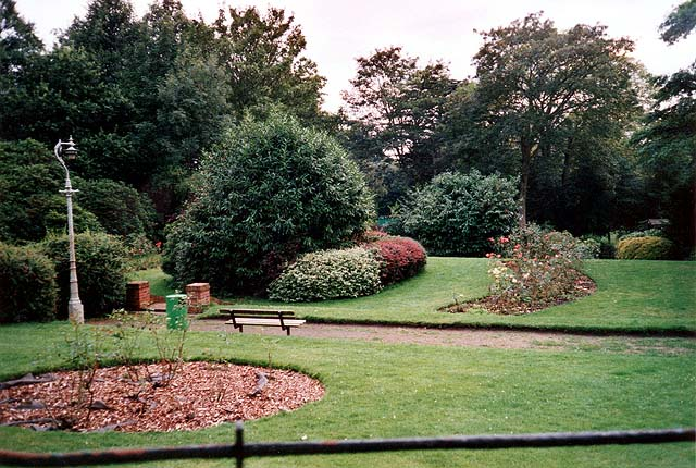Holly Lodge Gardens
