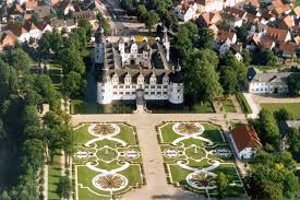 Schloss und Auen Park