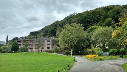 Calder Holmes Park